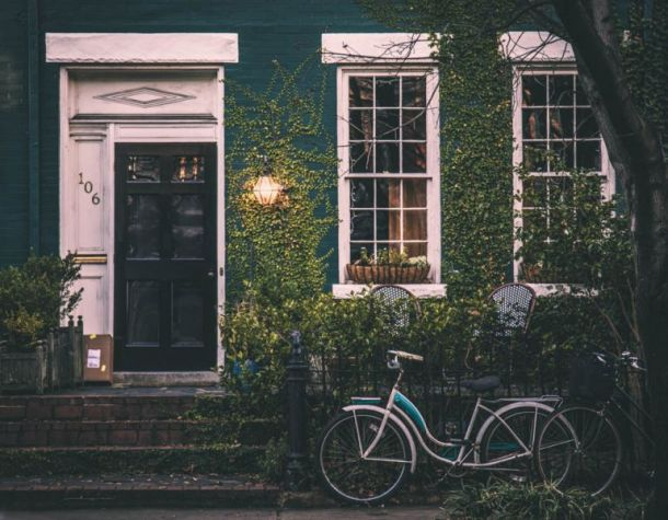 House-Sitting in France: A Cross-Cultural Guide for